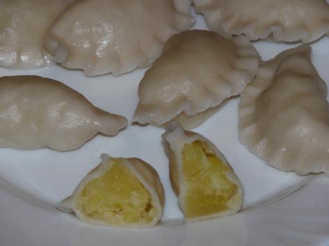 Вареники из свежего картофеля и репчатого лука